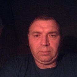 Стройная девушка шатенка ищет мужчину в Таганрое для вечерних встреч