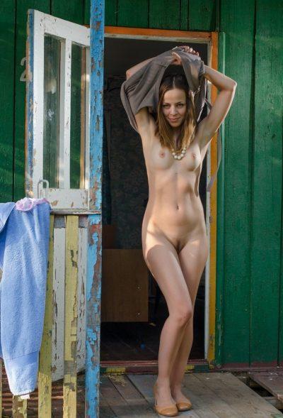 Стройная девушка из Таганрог ищет мужчину для секса без обязательств